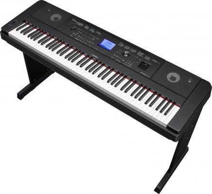 Yamaha Portable Grand DGX-660