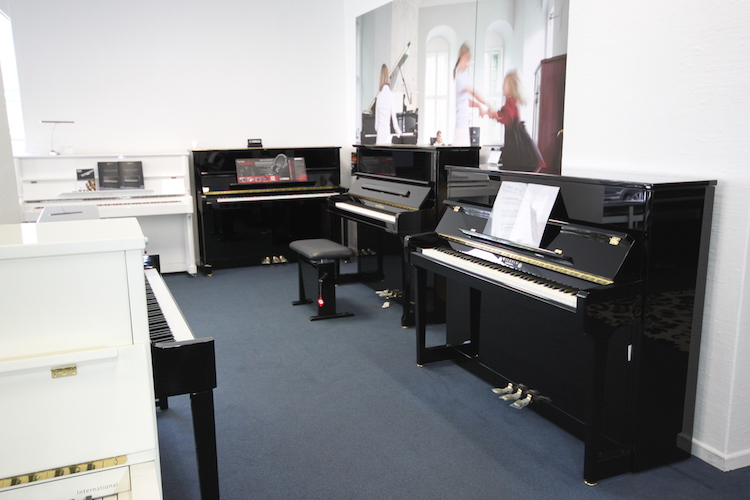pianohaus harke rundgang paderborn. Black Bedroom Furniture Sets. Home Design Ideas